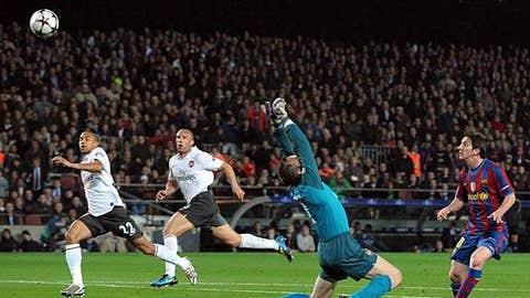 Messi scores 4 against Arsenal