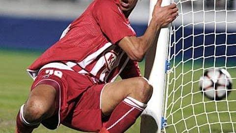 Chamakh heads Bordeaux into quarters