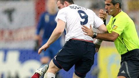 Rooney steps on Carvalho's crown jewels