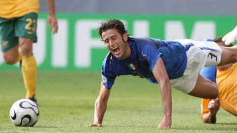 Grosso's dive against Australia