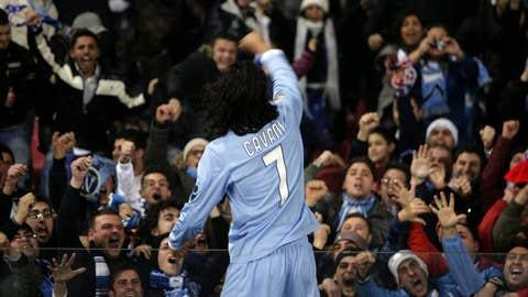 Napoli's Edinson Cavani celebrates after
