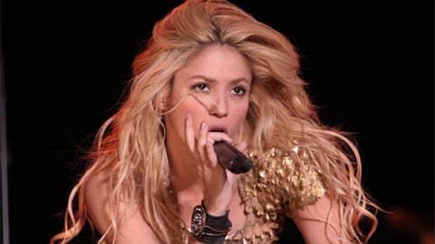 Shakira (girlfriend, Gerard Pique)