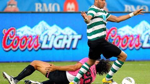 Oguchi Onyewu, D, Sporting