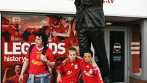 Bill Shankly's statue