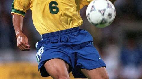 Roberto Carlos: France vs. Brazil, 1997