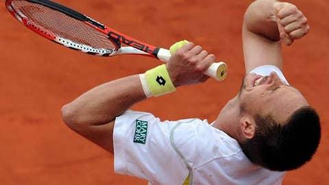 Soderling stuns Nadal