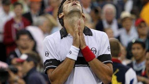 No joke: Djokovic outlasts Federer in the semis