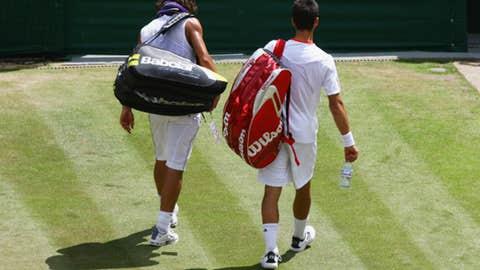 2007 Wimbledon semifinal (Nadal wins 3-6, 6-1, 4-1 Ret)