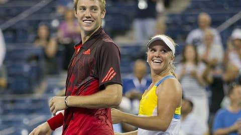 American teens win mixed doubles