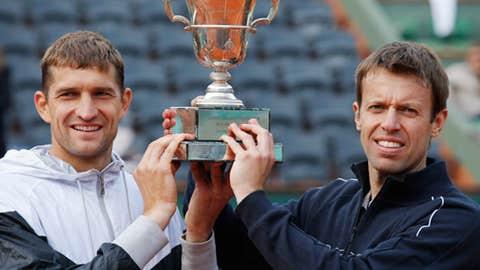 Mirnyi & Nestor repeat as champions