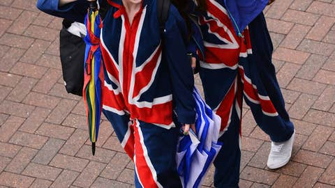 Union Jack Snuggie Girls