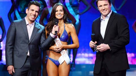 Kenny Florian, Hooters girl Francesca Ruffino and Chael Sonnen