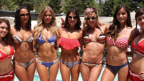 5 reasons to love the UFC: Kenda Perez, Chrissy Blair, Arianny Celeste, Rachelle Leah and Vanessa Hanson
