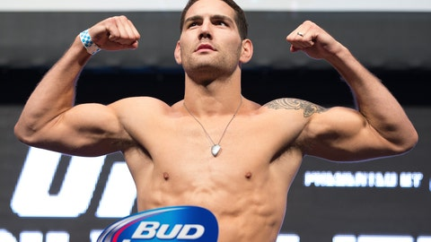 Chris Weidman looked confident