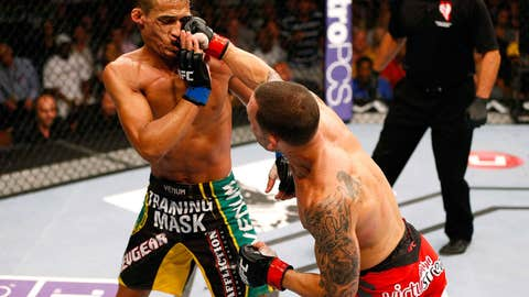 Frankie Edgar ripples the face of Charles Oliveira