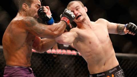Ronson punches Prazeres
