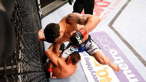 Martins punches Cruickshank