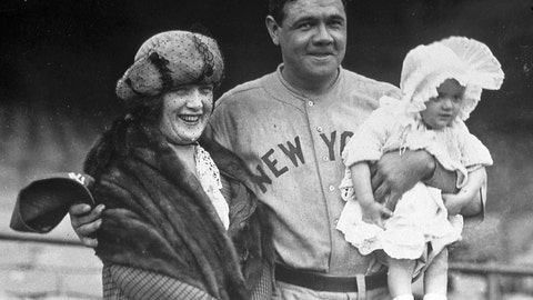 3. Babe Ruth — 714 HRs