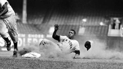 5. Willie Mays — 660 HRs