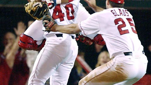 2002: Angels stun their intrastate rivals