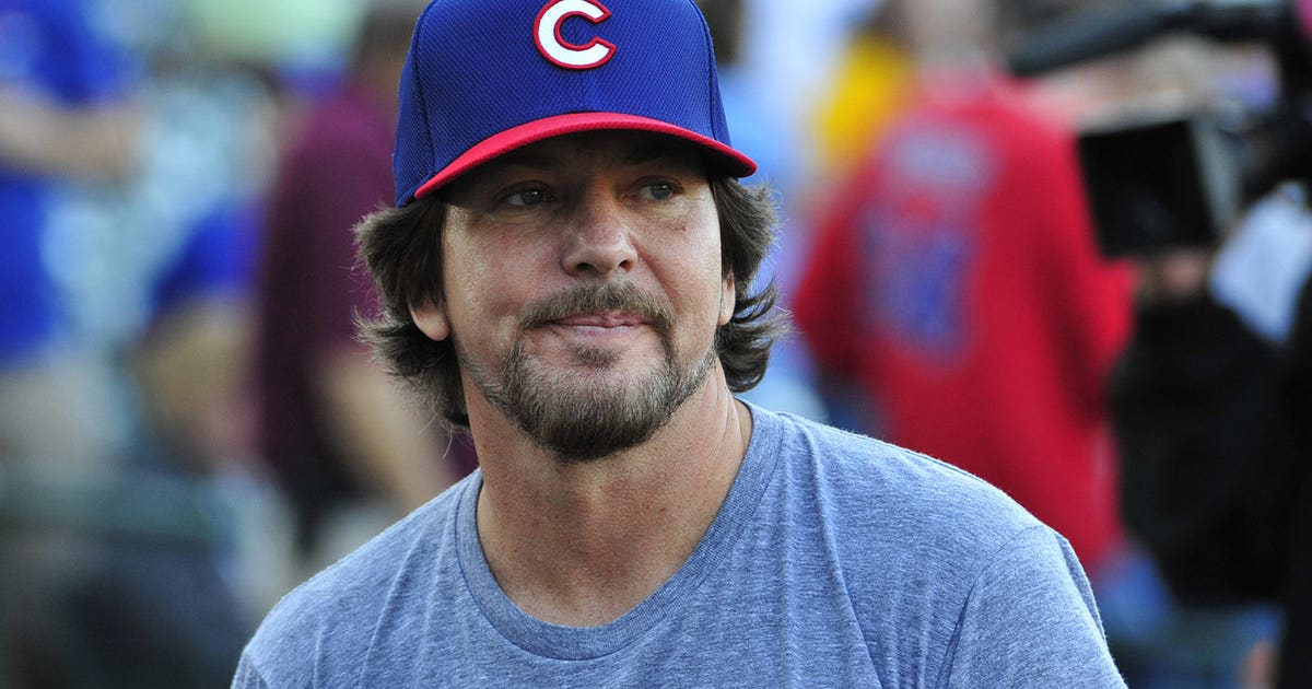 Pearl Jam Paid Homage To Ernie Banks When It Played