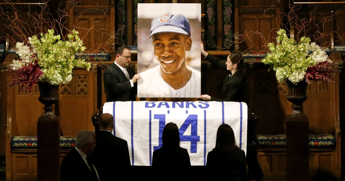 Cubs Legend Ernie Banks Memorialized Remembered For