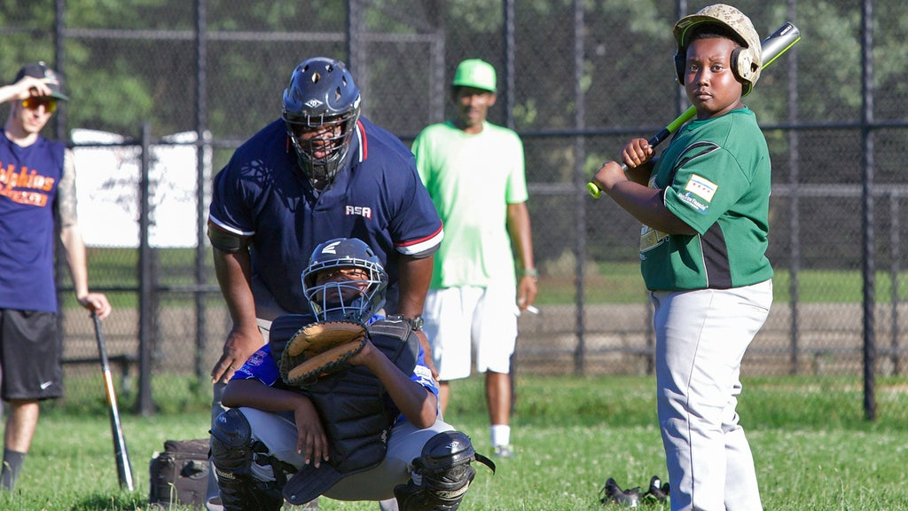 Study shows youth baseball, softball participation on the