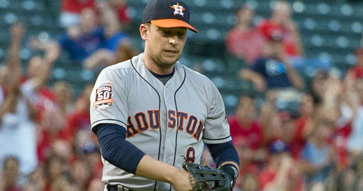 91565480b Shin contusion leaves Astros  Lowrie day-to-day
