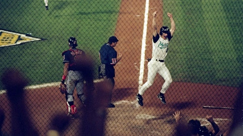 Edgar Renteria: 1997 World Series, Game 7