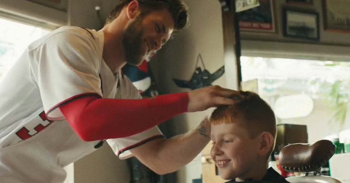 Bryce Harper Tries Out Barber Skills On Little League Team Fox Sports