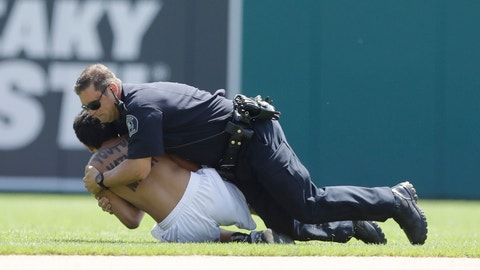 The 10 quickest ways to get kicked out of an MLB stadium