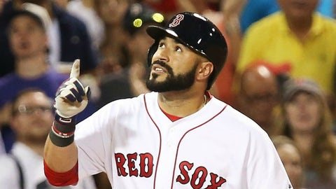 Leon wins it for Red Sox