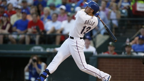 Gallo, Chirinos carry Rangers