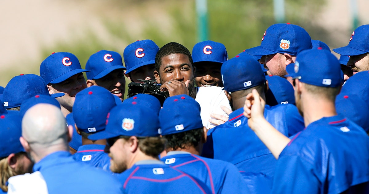 7bf4fd381 Cubs and Cardinals fans react to Dexter Fowler switching sides in the  rivalry