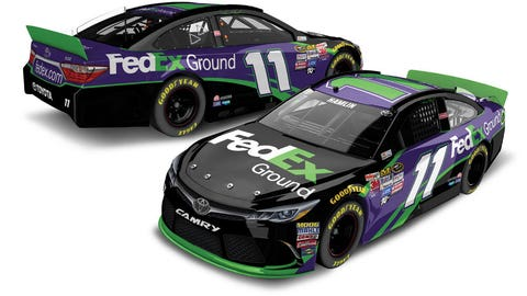 How similar are the Joe Gibbs Racing drivers' 2016 paint schemes to 2015?