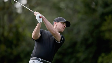 Denny Hamlin will be golfing (if his back allows it)