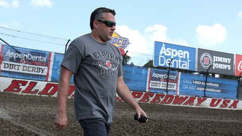 Tony Stewart wil play in the dirt
