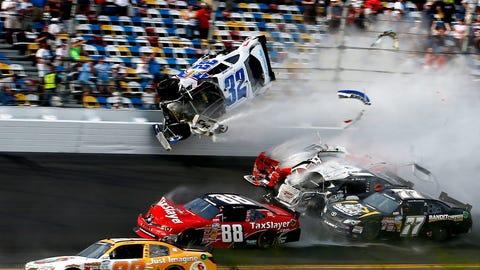 Scary crash at Daytona