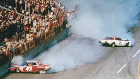 1976 Daytona 500: Petty vs. Pearson