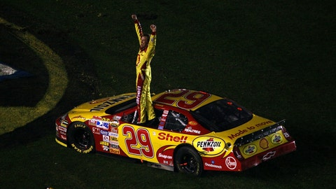 2007 Daytona 500: Standing tall