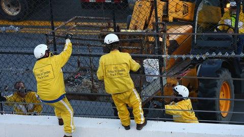 Big crash in Daytona 500 practice damages fence