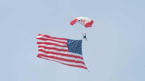 Pre-race in Fontana: Sky Diver