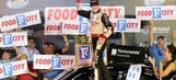 Ryan Blaney passes Kyle Busch late to win Bristol NNS race (VIDEO)