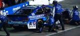 Jeff Gordon blows tire, hits wall while running second at Atlanta
