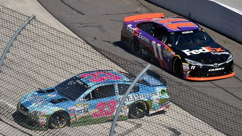 Martinsville mayhem: Wrinkled fenders and wrecked cars on the short track