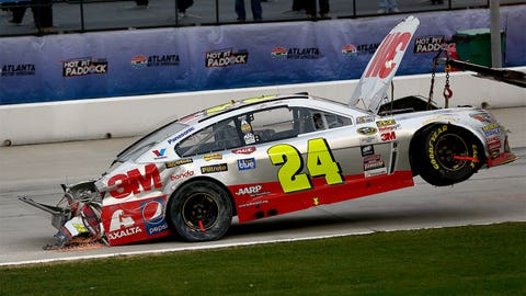Jeff Gordon hits concrete wall at Atlanta