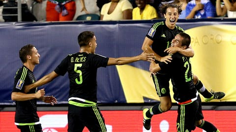 El Tri celebrate a goal that brings them close to the cup