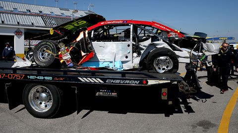 'Mayhem' strikes group qualifying for Daytona 500
