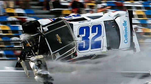 Kyle Larson takes violent ride into Daytona catchfence