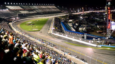 10 things every NASCAR fan must know about the 2016 schedule